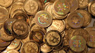 largest-bitcoin-exchange-suspends-withdrawals.si
