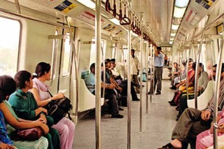 delhi-metro-sets-ridership-record-with-over-26-lakh-commuters_200813085541