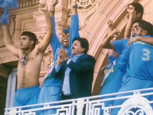 SG with his shirt off at Lords