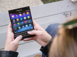 BlackBerry-Passport-Review-002