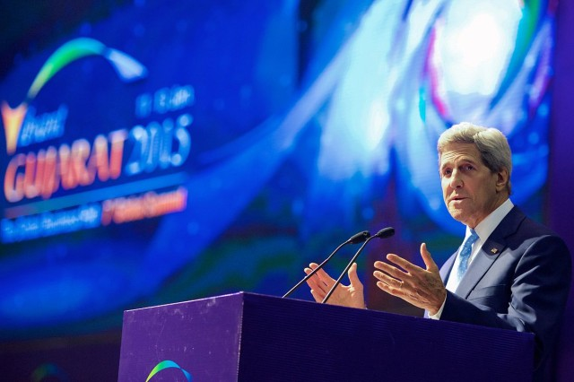 Secretary_Kerry_addresses_Indian_Prime_Minister_Modi_and_attendees_at_Vibrant_Gujarat_Summit_(3)