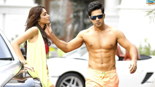 Main-Tera-Hero-Varun-Dhawan-6-Pack-Abs