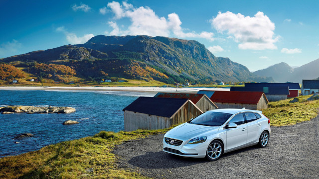 volvo-v40-ocean-race-edition-sideview