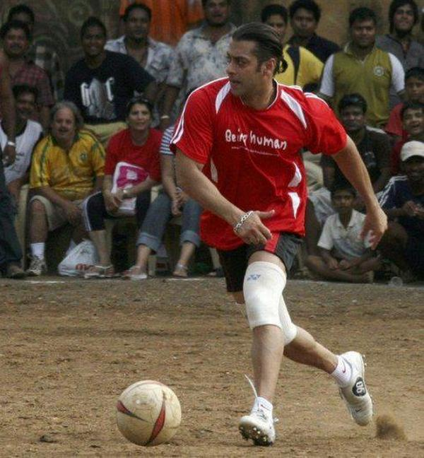 salman-khan-football191013