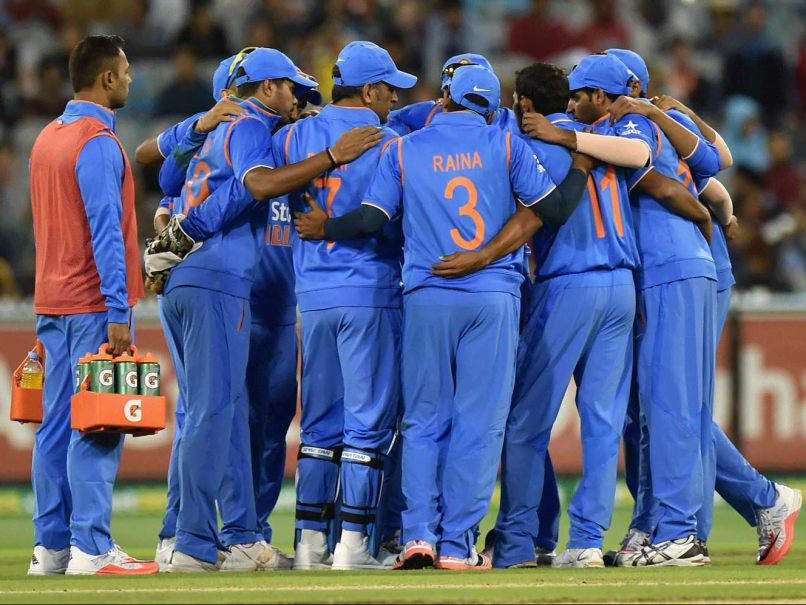 team-india-huddle-australia-456