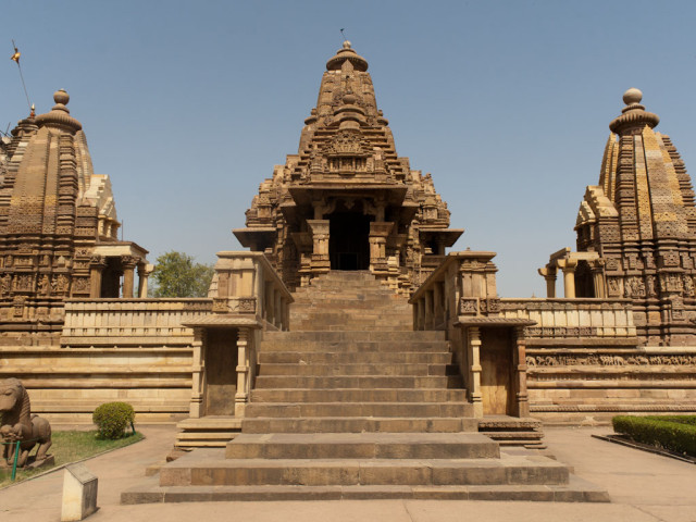 khajuraho-india-western-temples-2-lakshmana-temple-a-hindu-temple-dedicated-to-vishnu