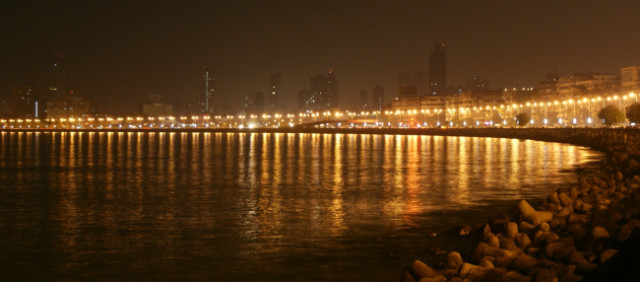 Marine Drive at night from in front of Pizzeria.
