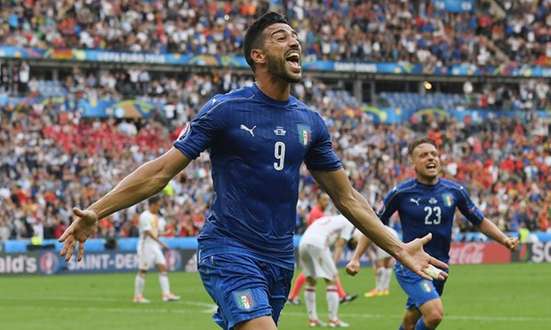 Pelle celebrates after his goal in the 92nd minute.