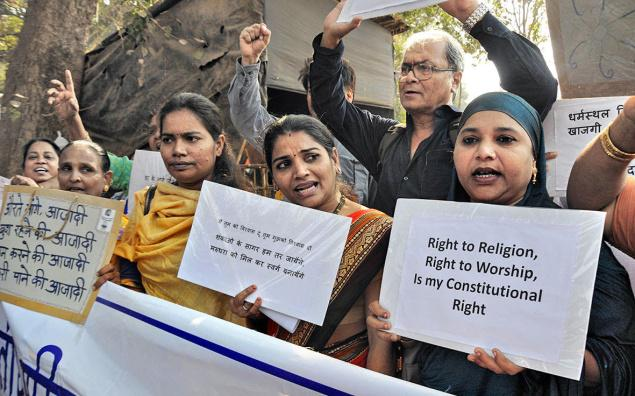 Bharatiya Muslim Mahila Andolan and other groups protest at Azad Maidan demanding entry to the Haji Ali dargah in Jan 2016—Photo: Vivek Bendre Credits: The Hindu