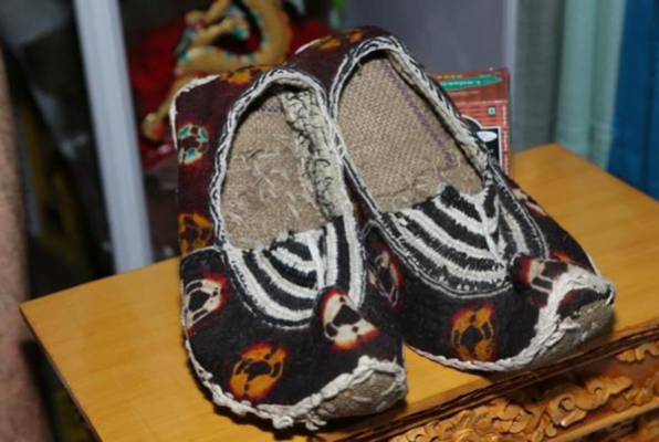 Hand woven Ladakhi footwear, you can find it at the trade fair!