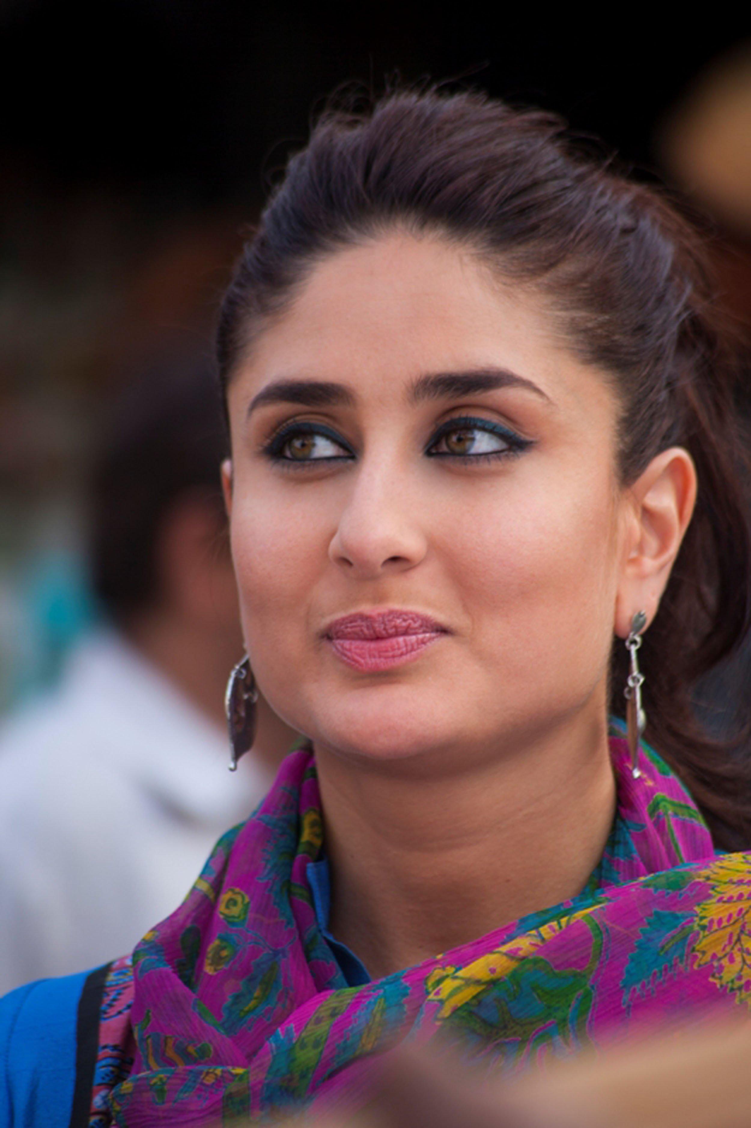 Kareena-Kapoor-Picture-Backgrounds