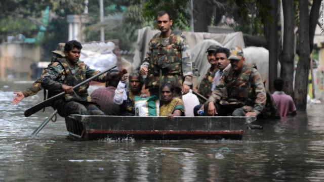 151204095017-india-chennai-flood-5-super-169
