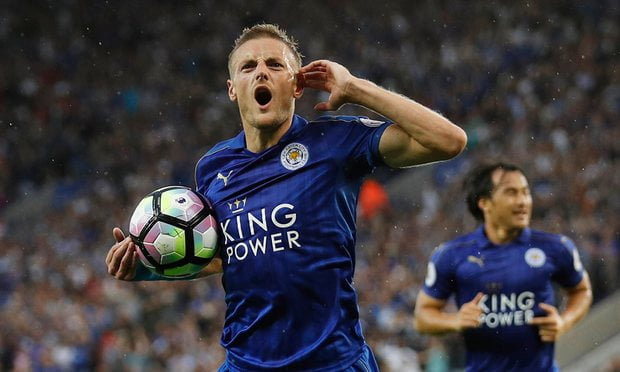 Jaime Vardy celebrates after scoring his side's 1st goal of the match.