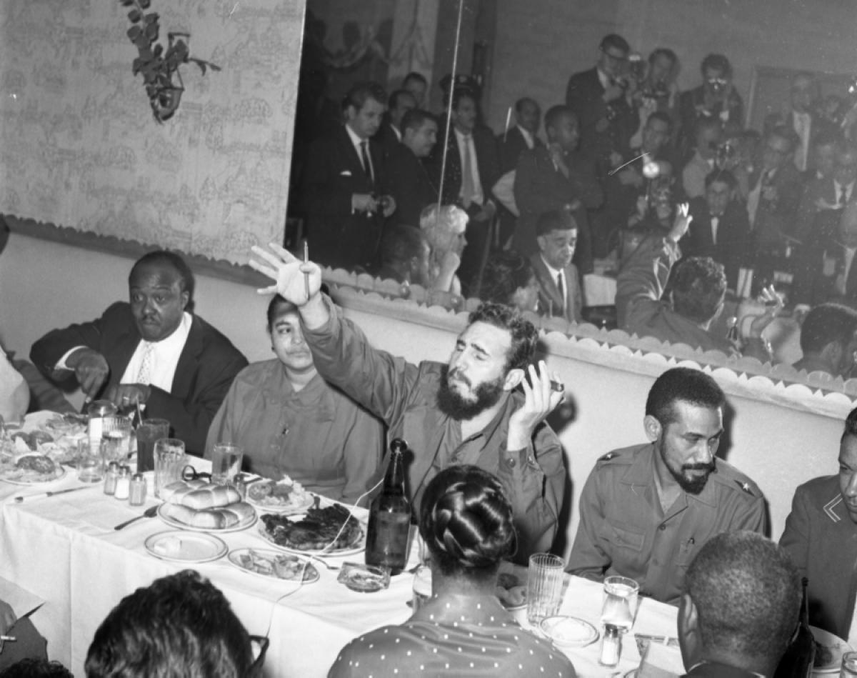fidel-castro-hotel-theresa-1960