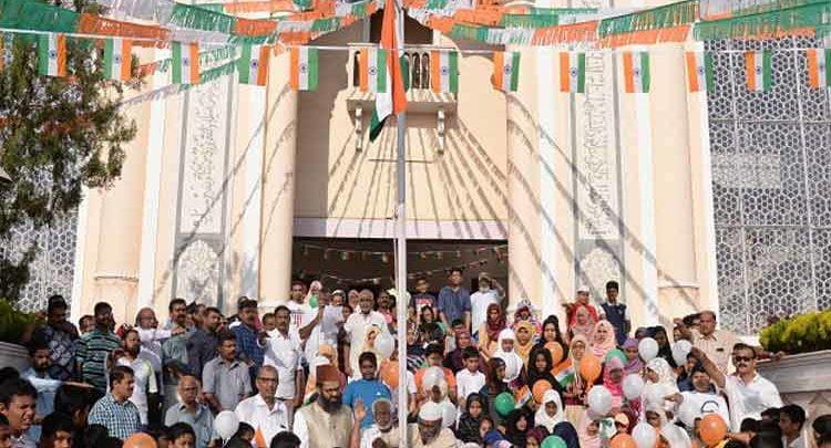 kerala churches and mosques hoist tricolour