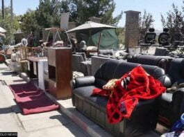 Household Valuables Up For Sale On Kabul Streets As Afghans Face Cash Crunch